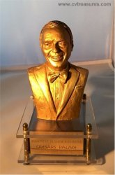 Frank Sinatra 40th Anniversary Gold Statue Music Box 1979